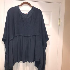 Tops - Women's short sleeve poncho
